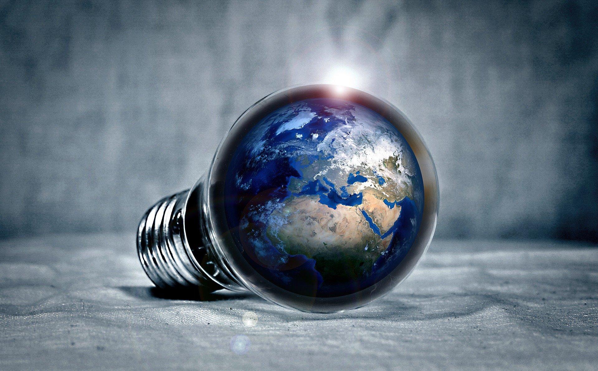 Copertina articolo Bonus luce, gas e acqua 2021: Come ottenere le agevolazioni fiscali sulle bollette?