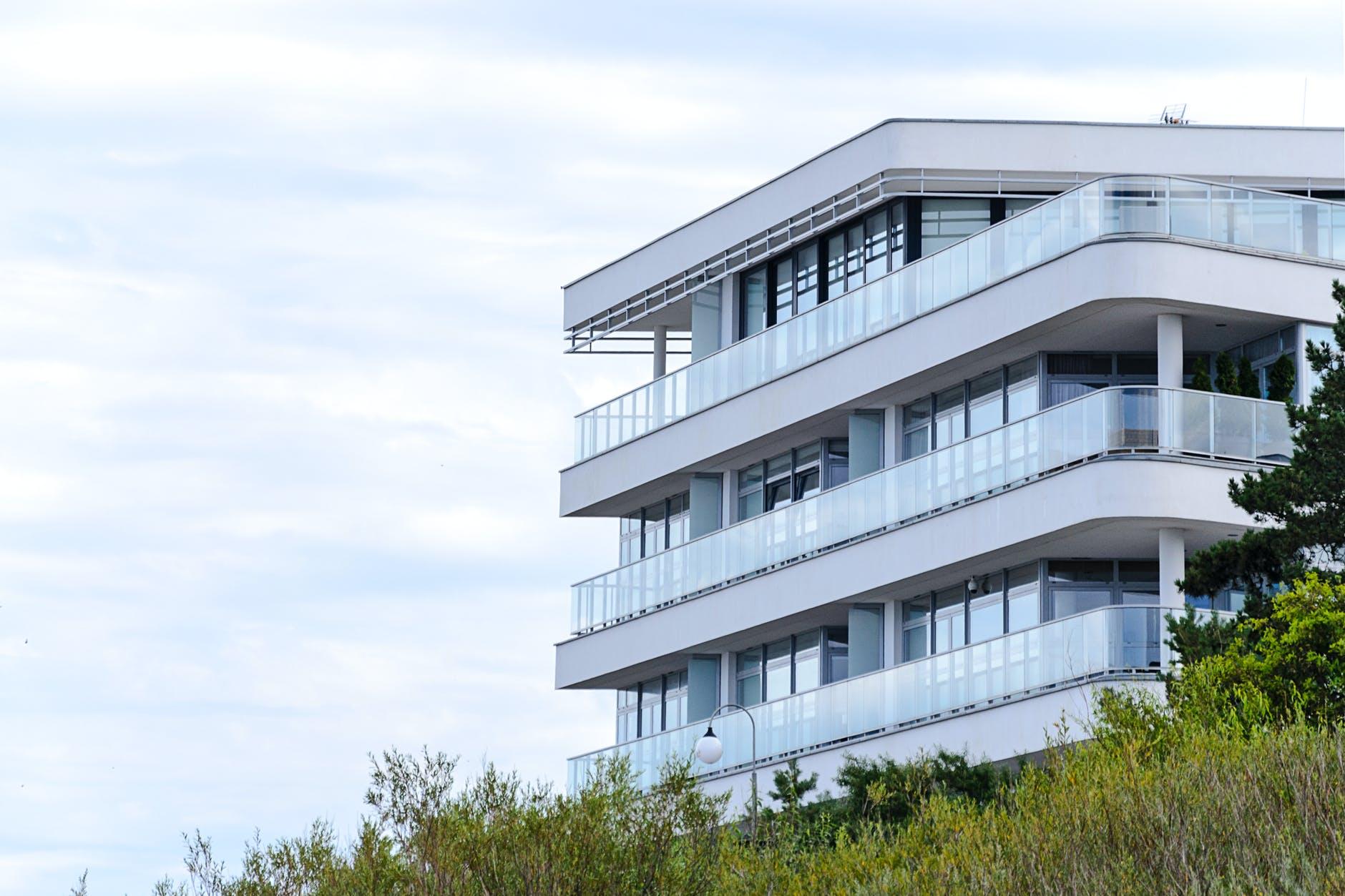 Copertina articolo Comprare casa: meglio puntare su un appartamento o su una villa indipendente?
