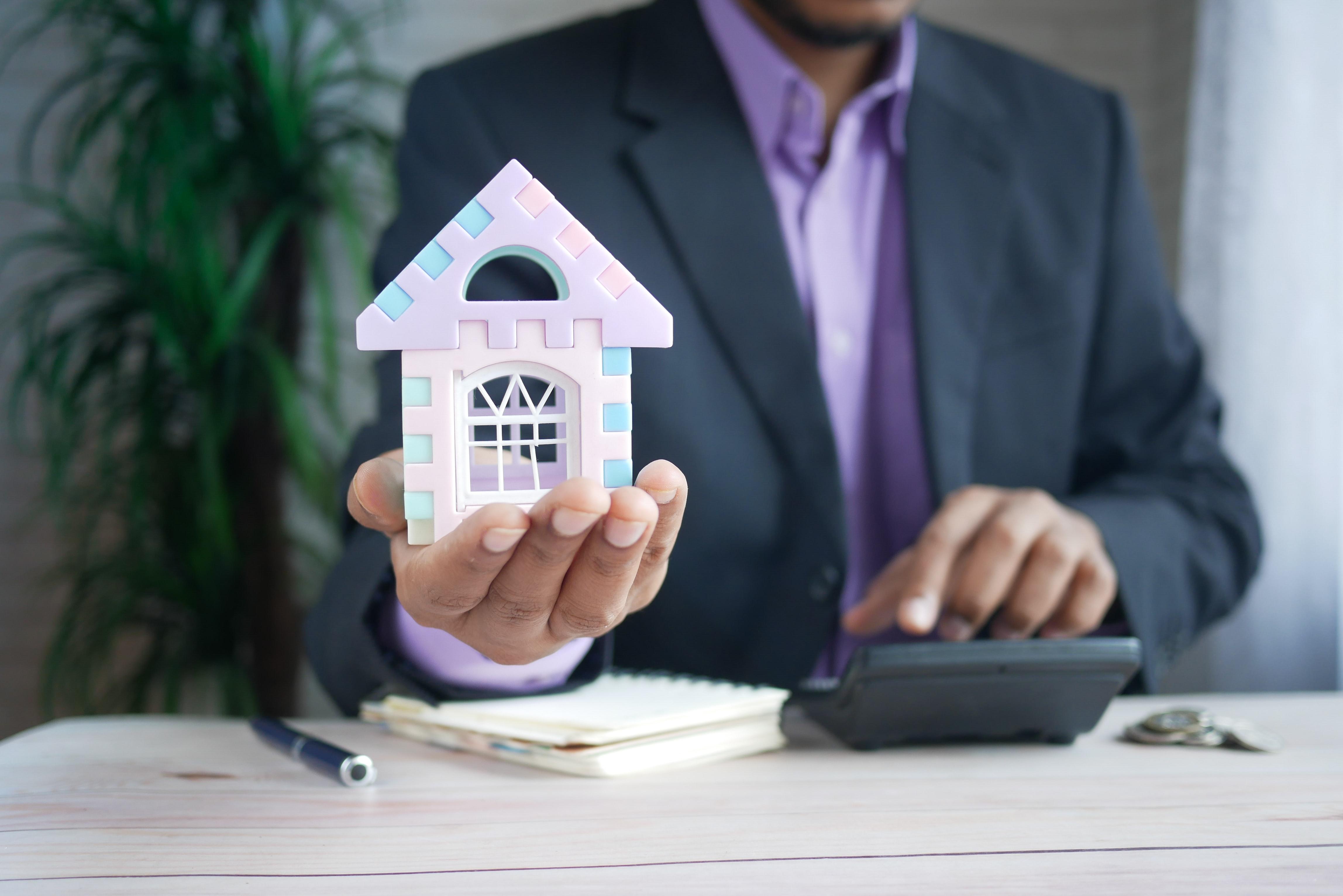 Copertina articolo Qual è la scelta giusta tra vendere e affittare una casa?